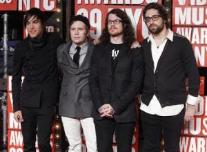 The group Fall Out Boy poses at the 2009 MTV Video Music Awards in New York